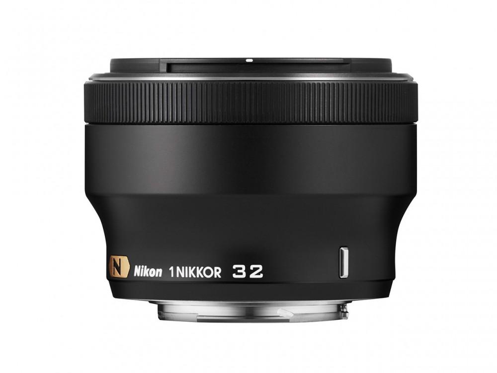 Íme az f1.2 fényerejű 32mm-es Nikkor lencse a Nikon 1 rendszerhez