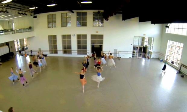 Time-lapse felvétel egy fellépés előtti gyakorlásról