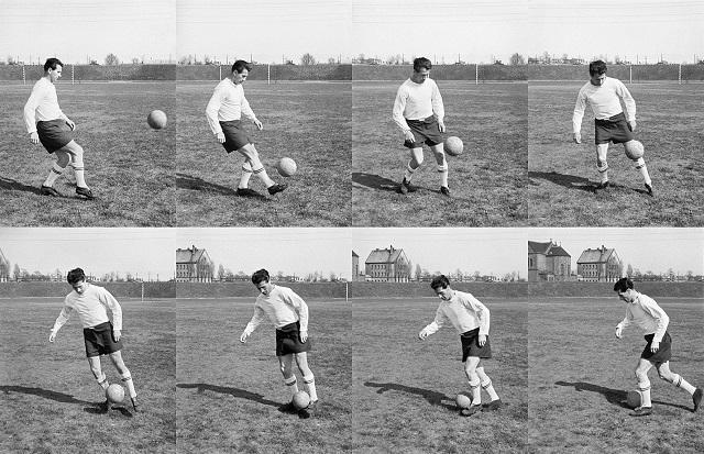 Bozsik József képen látható technikai eleme: magas labda azonnali földre vitele, mozgásiránnyal elle