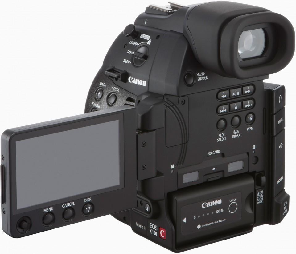 Canon EOS C100 Mark II kijelzője már oldalra is kihajtható.
