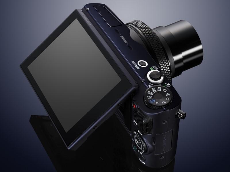 Nagy, 1/1,7-es BSI-CMOS, 12,1 millió effektív képpontos LCD kijelző.