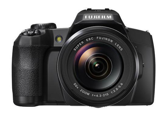 Fujifilm Finepix S1 - az első csepp- és porálló bridge fényképezőgép
