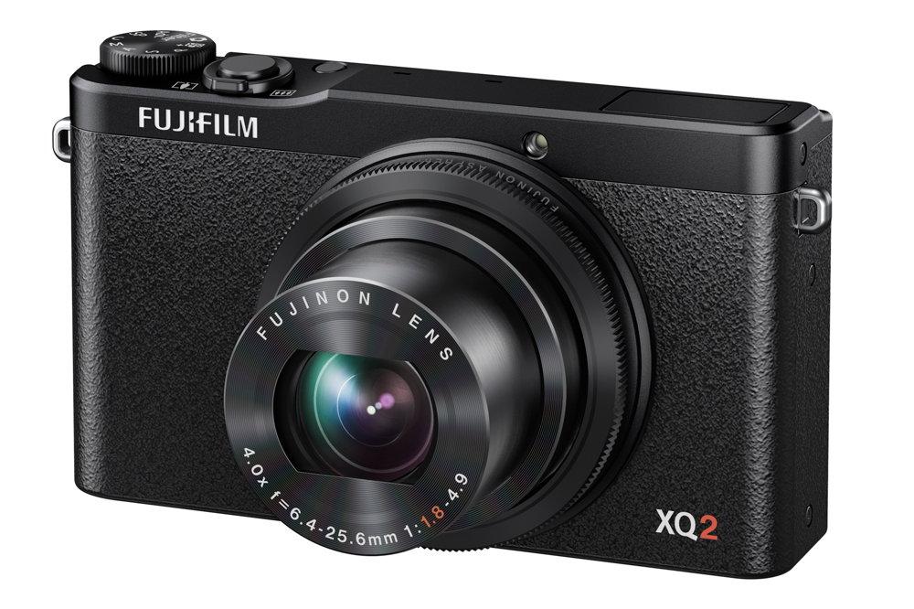 Fujifilm FinePix XQ2 12 megapixeles fényképezőgép, 4x-es optikai zoomal rendelkezik.