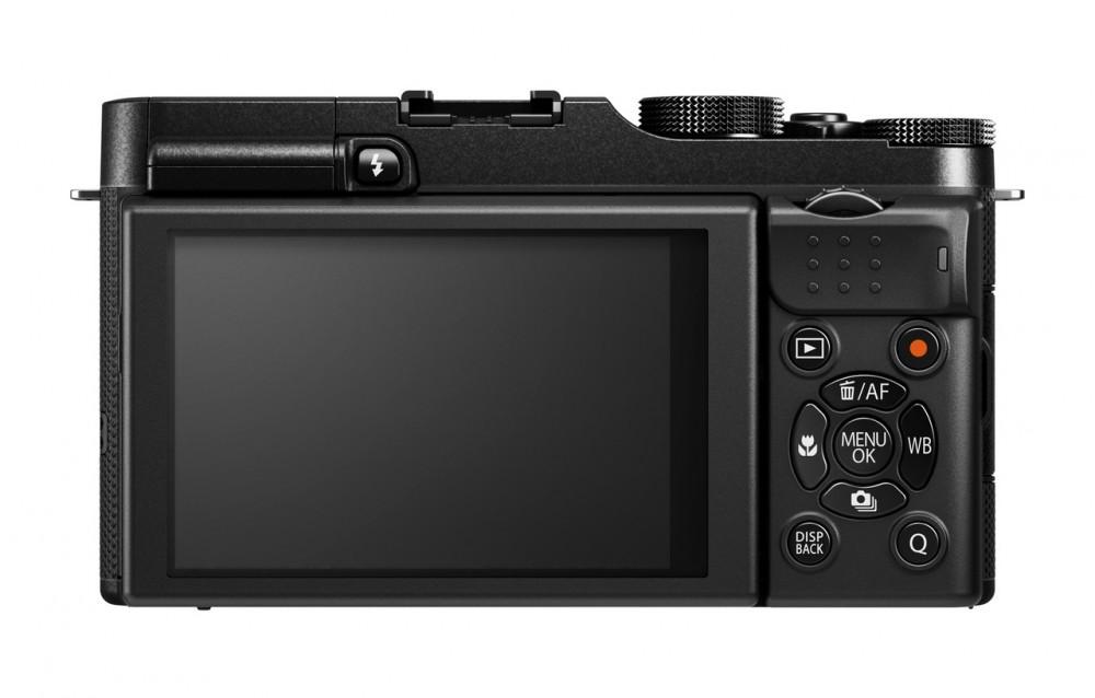 Fujifilm X-A1 - láthatóan minden kezelőszerv a jobb oldalara került