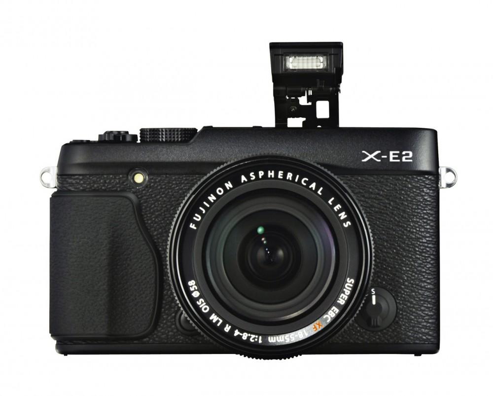 Fujifilm X-E2 és beépített villanója