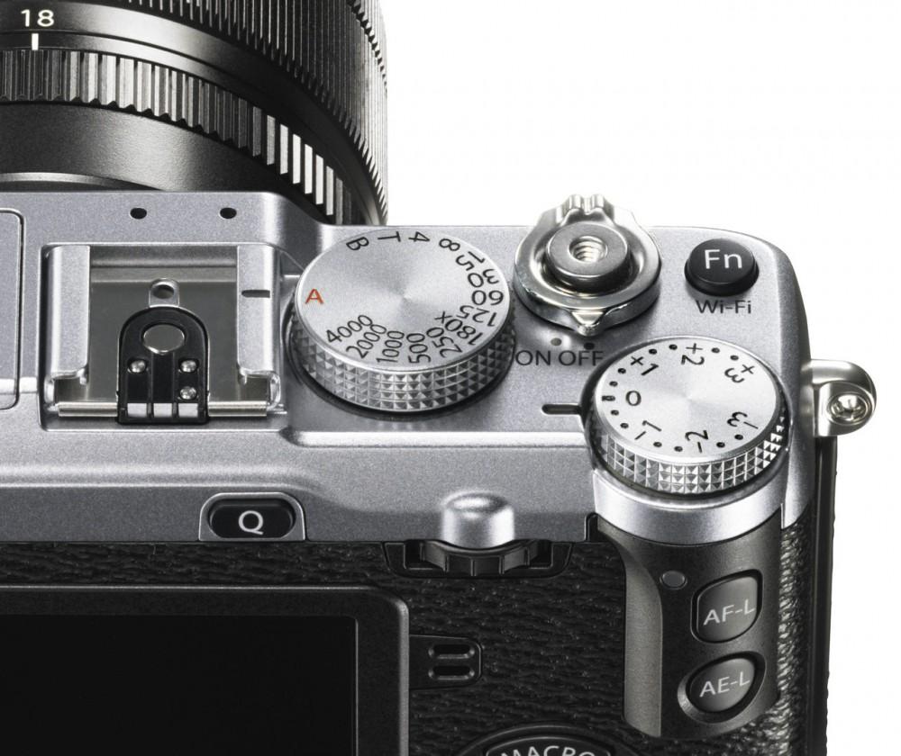 Fujifilm X-E2 - manuális tárcsák mindenfelé