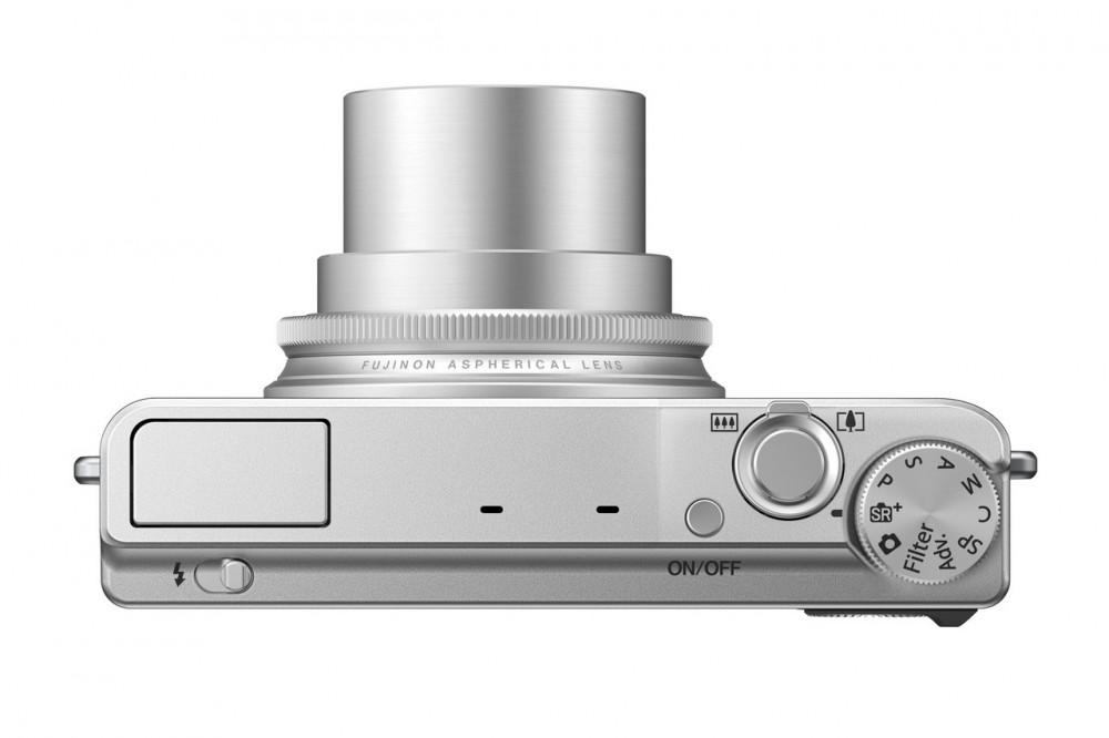 Fujifilm X-Q1 - 100mm-en
