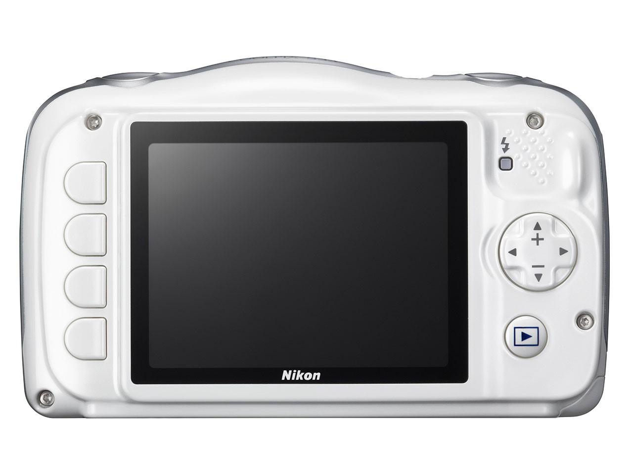 Nikon Coolpix S33-as kijelzője 2,7 colos LCD, 230 ezer képponttal.
