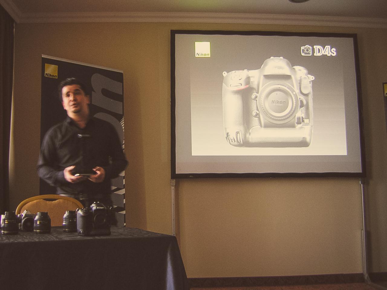 Kaszás Gergely prezentálta végig a Nikon D4S csúcsvázat