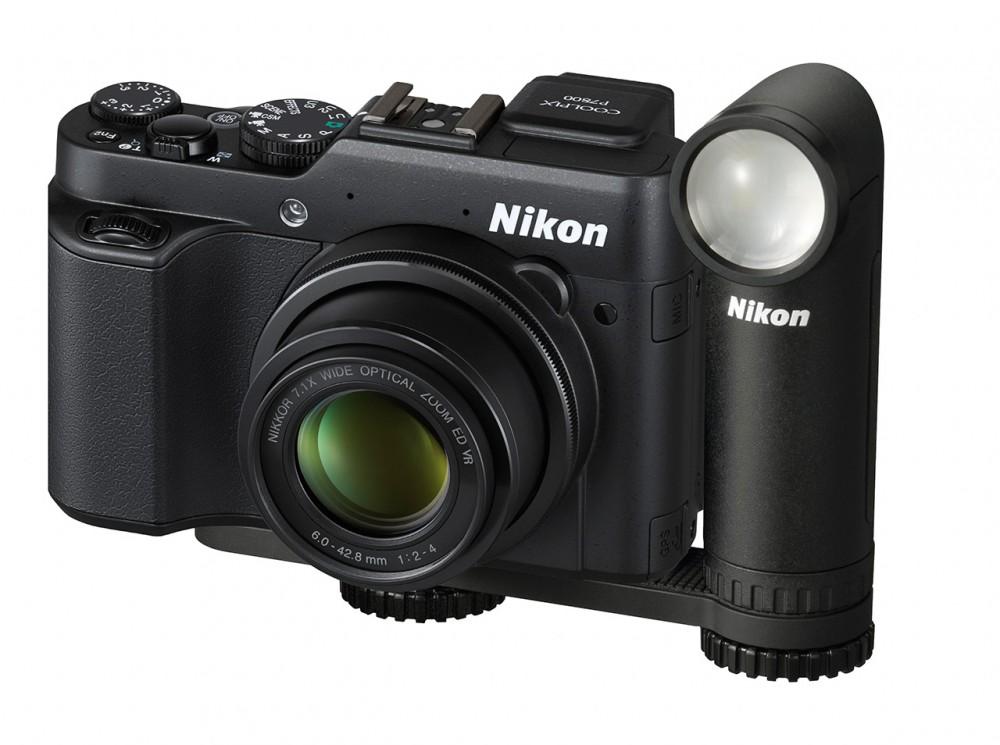 Nikon LD-1000 fekete színben Nikon 7800-as fényképezőgéppel