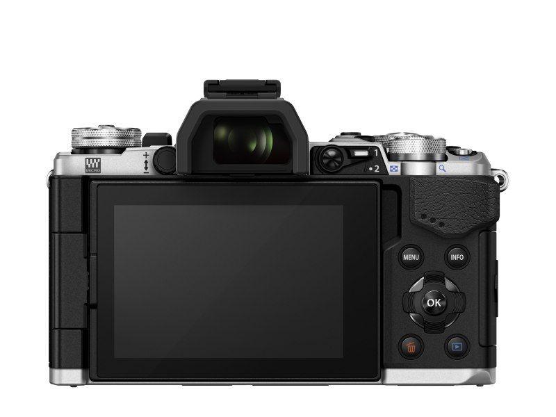OM-D E-M5 Mark II 3 colos,nem csak dönthető, hanem kihajtható LCD kijelzőt kapott.