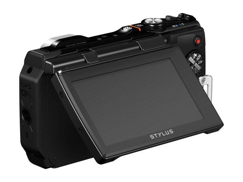 Olympus TOUGH TG-8603 colos dönthető-felhajtható LCD kijelzőt kapott.