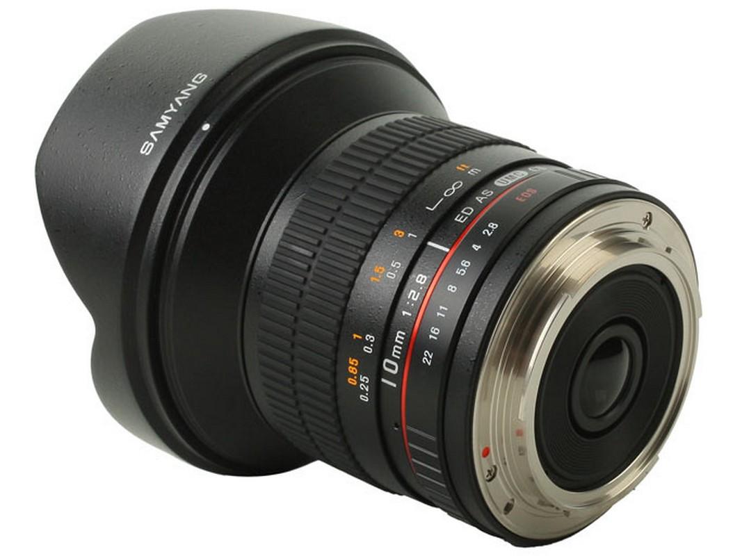 amyang 10mm f2,8 ED AS NCS CS APS-C szenzorméretű digitális fényképezőgépekhez készült.