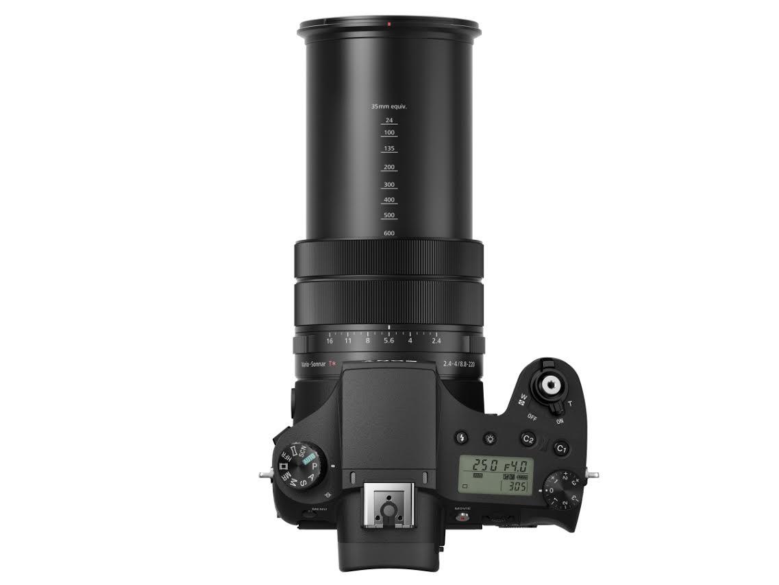 Sony DSC-RX10 III objektíve 24-600 mm ekvivalens gyújtótávolságú.