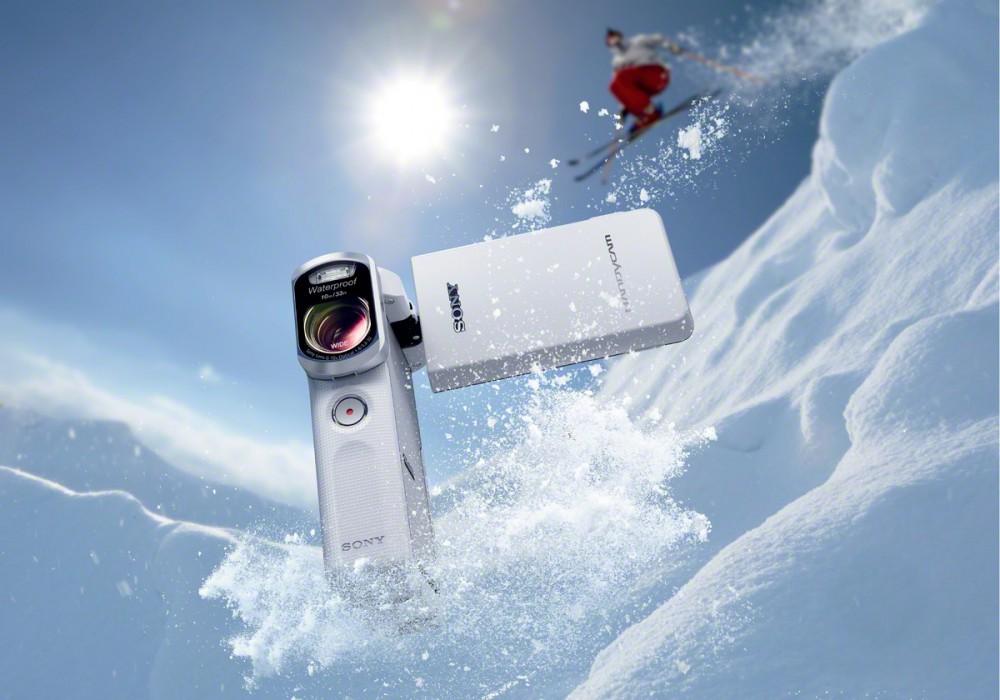 20 megapixeles Exmor R képérzékelőt rejt a Sony legújabb marokkamera típusú Full HD időjárásálló kam