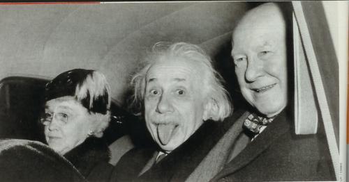Az eredeti változaton mindhárman látszanak