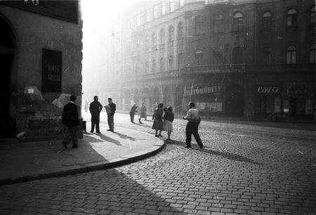 A Körút és a Népszínház utca sarka. 1960.körül. Magyar Fotográfiai Múzeum tulajdona