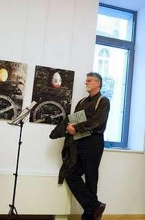 Jankovics Marcell elmélyülten hallgatja Kurtág György meditatív rálátásait Bach