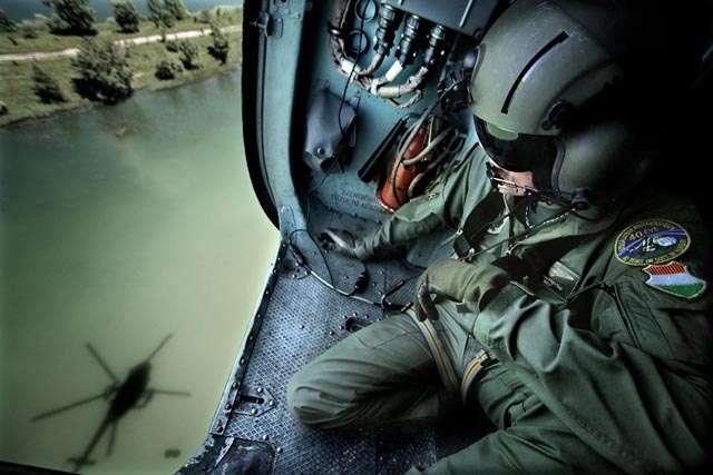 helikopter-photodevenyiveronika-honvedseg.jpg
