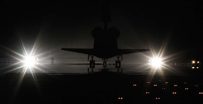 shuttleatlatnislands-lights-photojoeskipperreuters.jpg