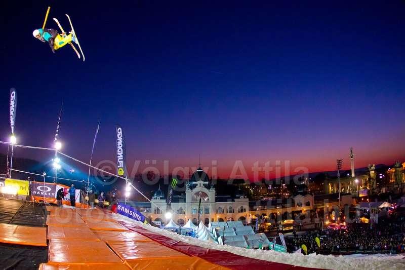 fridge-festival-budapest-freestyle-skijump-1111128908dva.jpg
