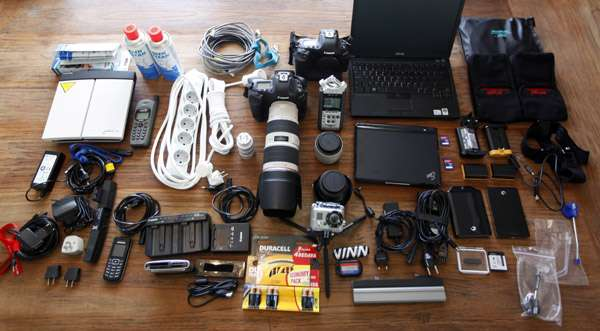 warphotographer-pack-cameragear-photoumitbektasreuters.jpg