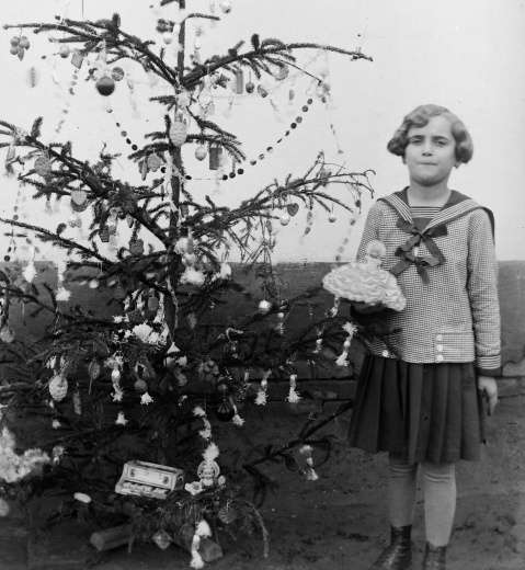 Lányka matrózblúzban 1935. k. fortepan.hu