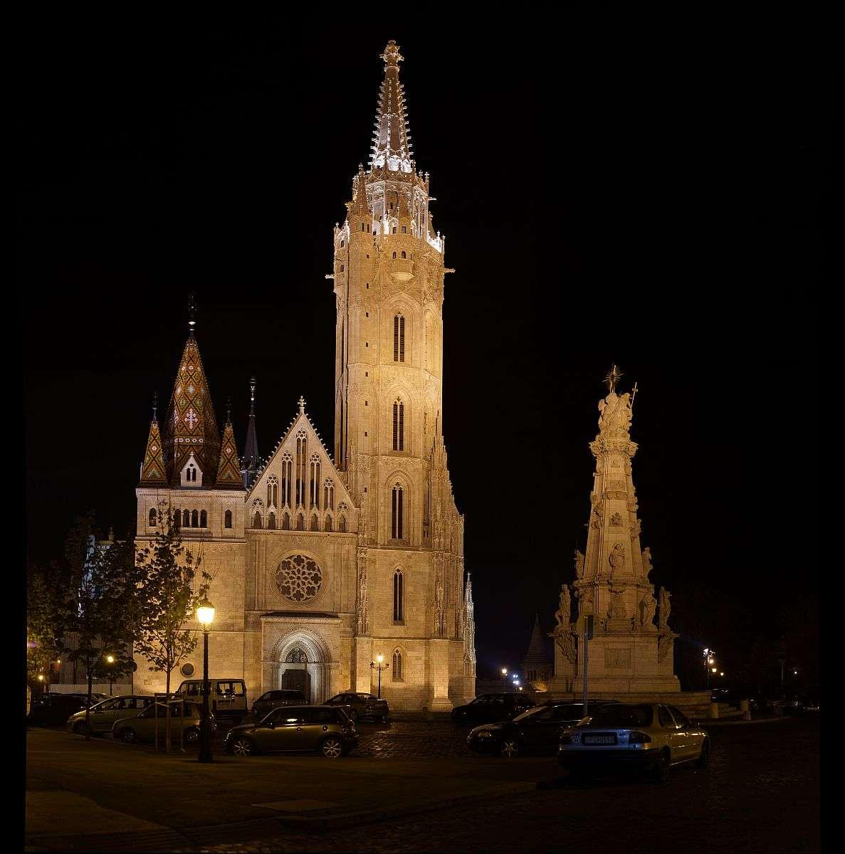 Mátyás templom éjjel