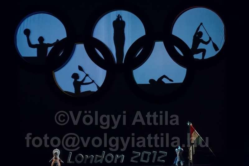 olympicswearinceremony-1206226245dva.jpg