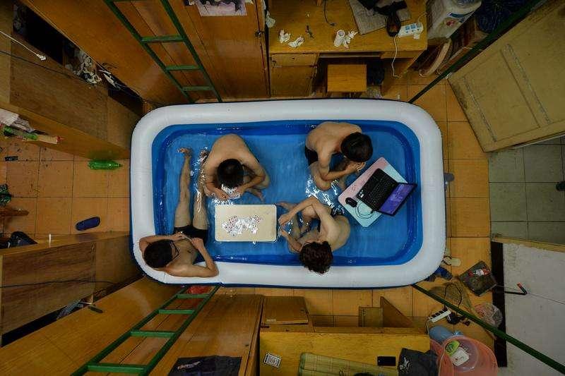 Hu Dongdong: Cooling Down