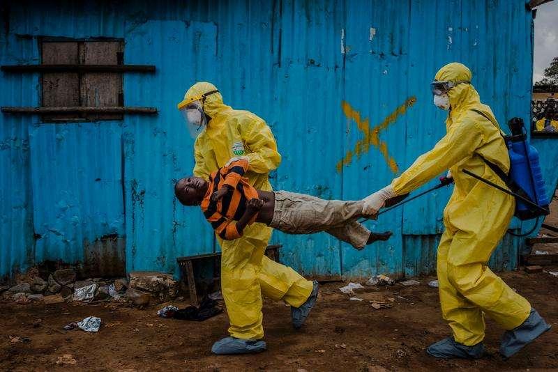 Daniel Berehulak: Ebolas Deadly Spread