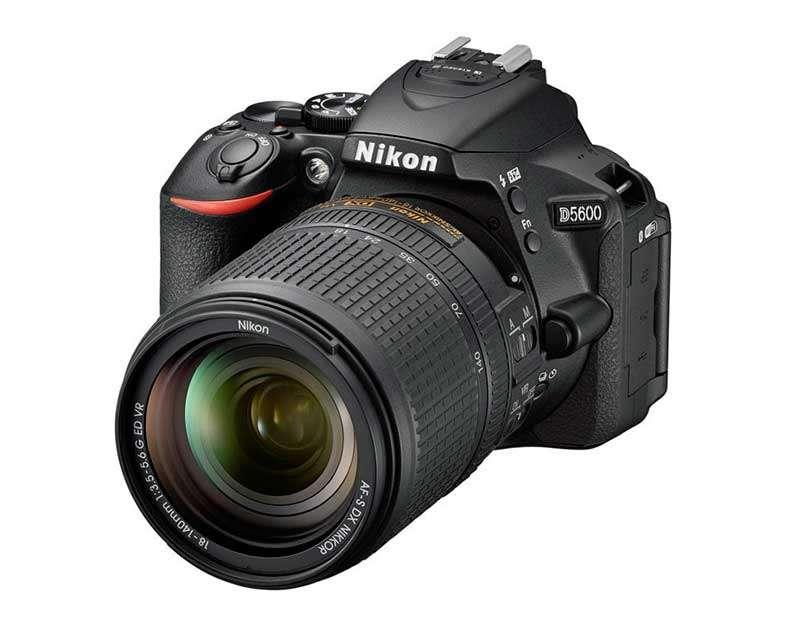 DX-formátumú Nikon D5600 digitális fényképezőgép