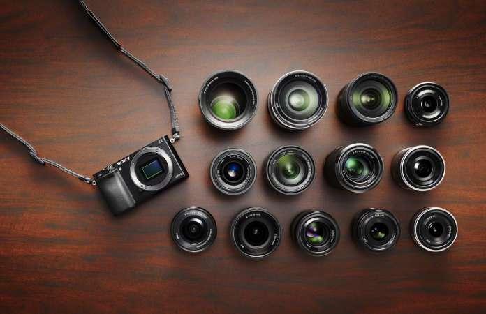A6000 Black Lens Situation