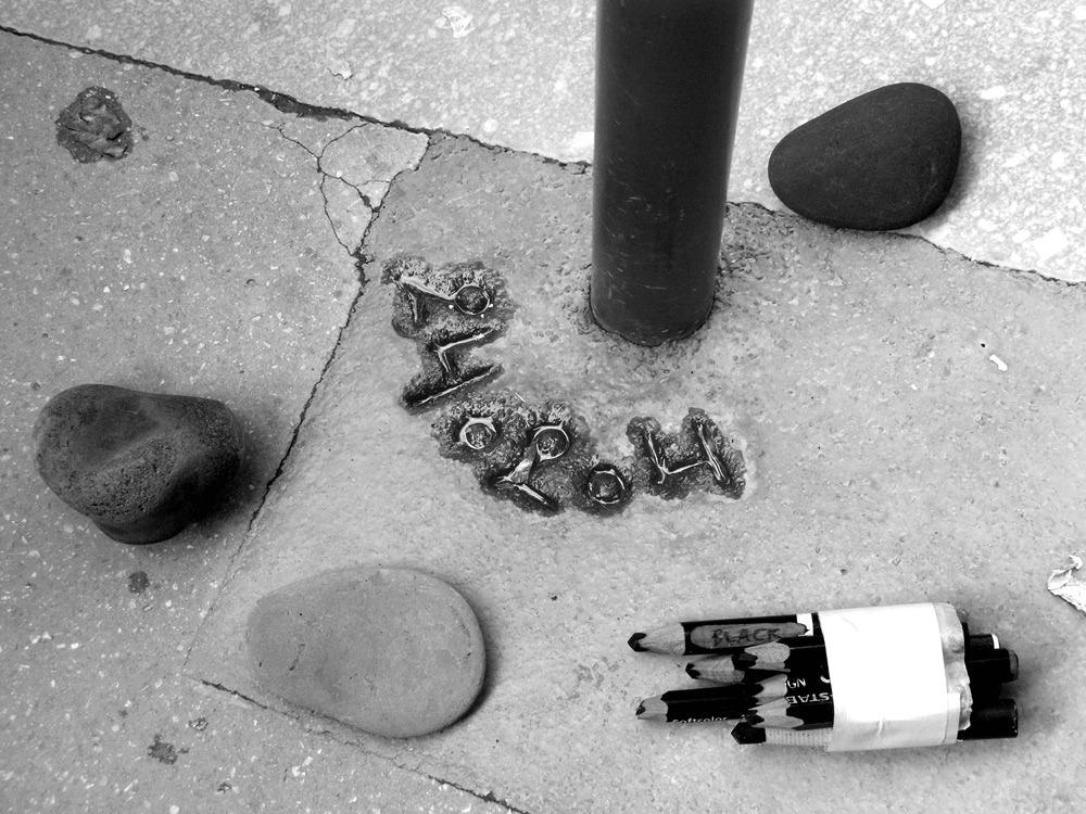 Mari Mahr Two Walk In Paris Fototvhu