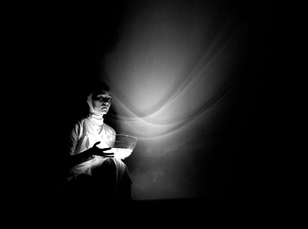 Élőkép Színház: Fénygolyók / Light Spheres