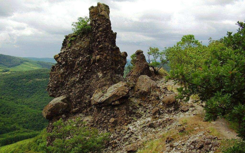 Gyalogtúra a Visegrádi-hegységben! / Vadálló-kövek/