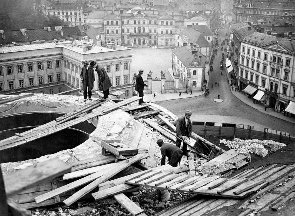 A visszavett város. Fotóriport Varsóról 1918-1939