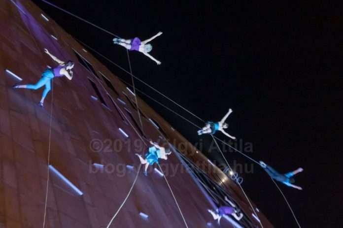 Bandaloop building wall dance MuPa Budapest s photosVolgyiAttilaHu x