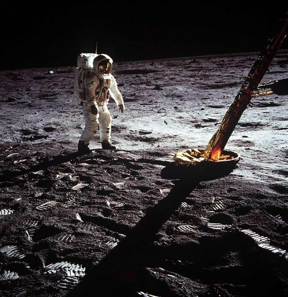 Holdséta és holdfogyatkozás