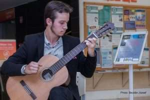 ... Pécs Kiállításmegnyitón gitározik Photo Bezdán József