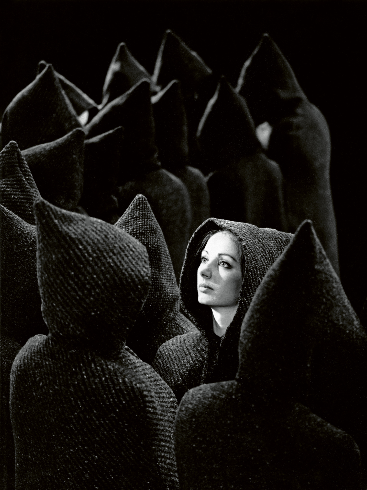 023-international-folkloristisch-danstheater-1981.jpg