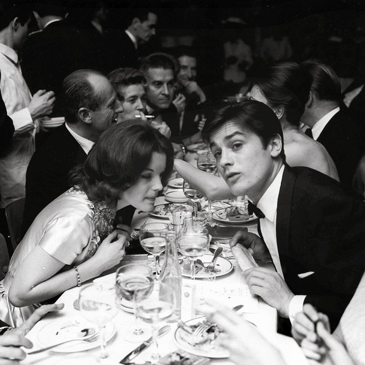 Fotó: Paul Almásy: Romy Schneider és Alain Delon, 1961, 18 x 24 cm, zselatinos ezüst, Magyar Fotográfiai Múzeum